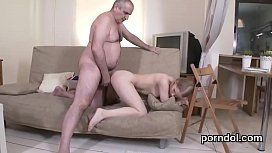Porn photos spread her legs showed her pussy