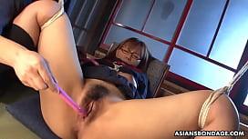 Kinky schoolgirl, Miu Tamura seems to like bondage and fucking