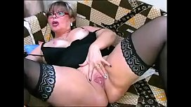 Watch mature woman masturbating live on cam (More at watchfreelivecams.com)