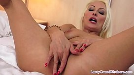 Bigtitted cougar giving bj and dickriding