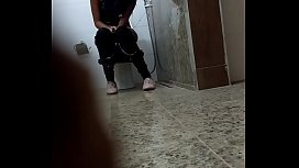 Drunk girl spied in toilet