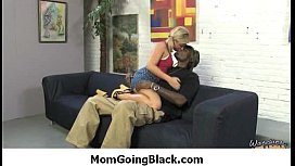 MILF mommy rides black dong 31