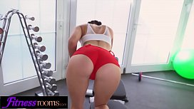 Fitness Rooms Face sitting pussy eating young Czech girls in gym hot pants