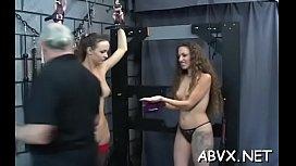 Mature loves extreme thraldom scenes to stimulate her vagina