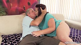 Fat '_n'_ stacked Lady Lynn gets her pussy drilled