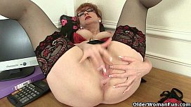 Porn mature lesbian seducing young strap on