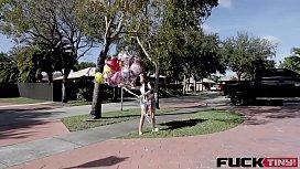 Jessica Jewels In 99 Head Balloons
