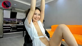 Webcam Asian Teen with hairy Pussy