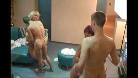 momlick.com-zreloe-porno-video-razlozhili-dvuk-maromoek-v-saune HomeCinema.avi