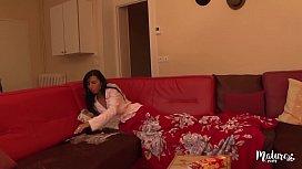 Betti cougar &agrave_ la plastique parfaite adore la sodomie