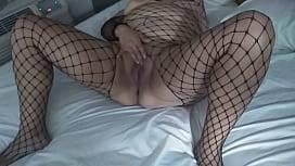 Horny Mexican BBW Milf Plays w/PussyCat