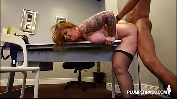 Redhead vixen sex pics - Redhead milf vayna loves to fuck big black cocks