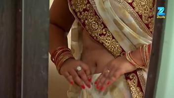 Hindi Serial Actress Deep and Hot Navel Show