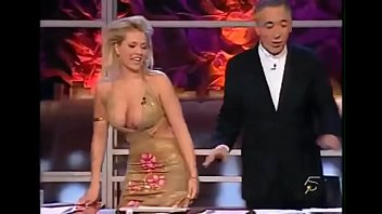 Top 10 compilation funny moments on tv   Tetas fuera thumbnail