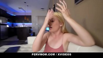 Sons and their sexy moms - Pervmom - sexy stepmom and aunt team up on big dick