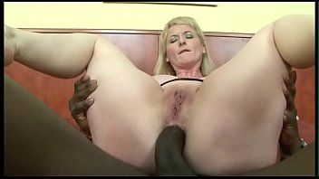 Wiggleing in her pussy Anal with a big cock, the tits wiggle