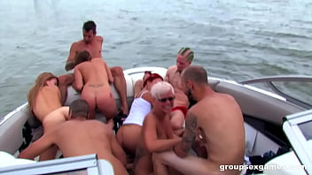 Summer Group Fu ck On A Boat