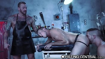 Free hardcore extreme gay tubes Daddy doctor fists his hunk monster disobedient assistant