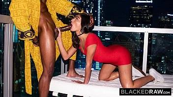 BLACKEDRAW She couldn't believe he picked her at the party 12分钟