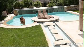 Hot wife Sienna gets 2 cocks in the pool
