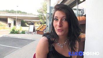 Sarah, 18ans se lance dans le porno amateur ! FRENCH illico porno 18 min
