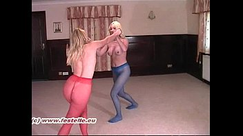 Free pantyhose women wrestling - Pantyhose catfight erika vs lucy 1