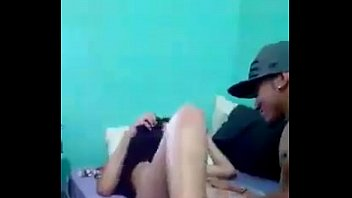MLK DO #CDG CHUPANDO A BUCETA DA PRIMA pornhub video
