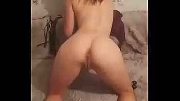 HORNY GIRL MASTURBATING IN CHAT PERISCOPE