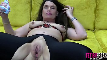 You porn tiny tabby - Fetishfreakscene pussy gapping with huge red dildo
