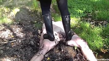 Muddy Lesson - Madame Foxy
