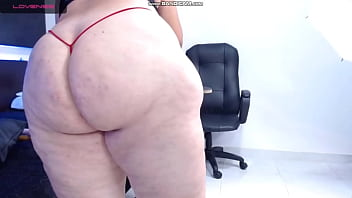 BBW Shows her Big Sexy Ass on Webcam