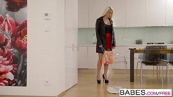 Babes - Step Mom Lessons - We Can Share  starring  Blanche Bradburry and Vinna Reed and Charlie Dean 8 min