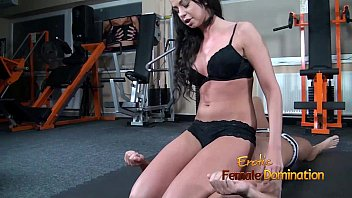 Facesitting In Bra And Panty From Larissa The Wild 14 min