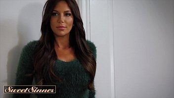 Stunning Babe With Big Tits (Jaclyn Taylor) Seduces Muscular Man To Fuck Her Hard - Sweet Sinner 10 min