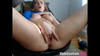 MILF and her toy on webcam squirt included