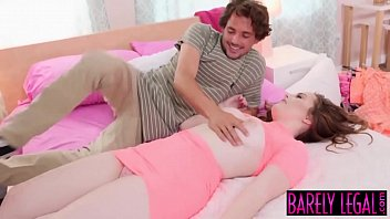 Busty teen River Fox uses dildo before facial inducing plow 8分钟