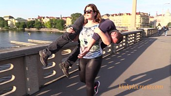 Streaming Video Public lift and carry by Kinky Lucrecia - XLXX.video