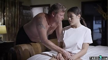 Conservative dad by day fucks his stepdaughter at night Porno indir