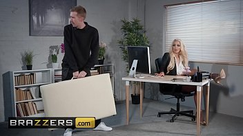 Dirty Masseur - (Nicolette Shea, Danny D) - Massaged On The Job - Brazzers 10分钟