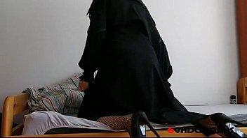 Arab Niqab Solo- Free Amateur Porn Video b4 - 69HDCAMS.US 8 min