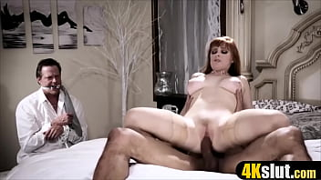 Hot MILF get a divorce bait and looks like likes it
