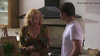 Madura Infiel descubierta por el marido...