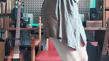 Girl with eyeglasses came to the studio to fuck herself on the camera and get an orgasm – Kibli Slow