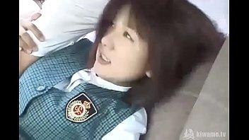 純朴な女子校生が可愛い顔に熱々精子をぶっかけられるの校生系動画