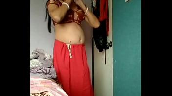 Chetna changing dress...