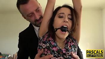 Violuri Xxx Cu Bruneta Trasa Pervers - Filme Porno