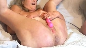Mature Stepmom Has Biggest Squirt Ever While Getting Fucked By Daddy 14 min