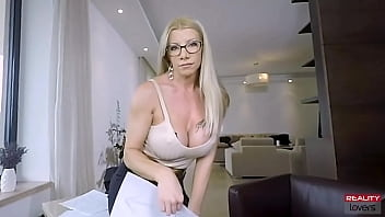 RealityLovers - Seduced By MILF In POV