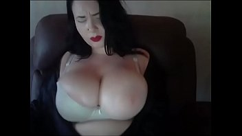 Byby 69's Huge boobs bouncing around porno izle