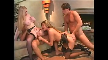Blond MILFS Monica Sweetheart and Michelle B get into a wild foursome 27分钟